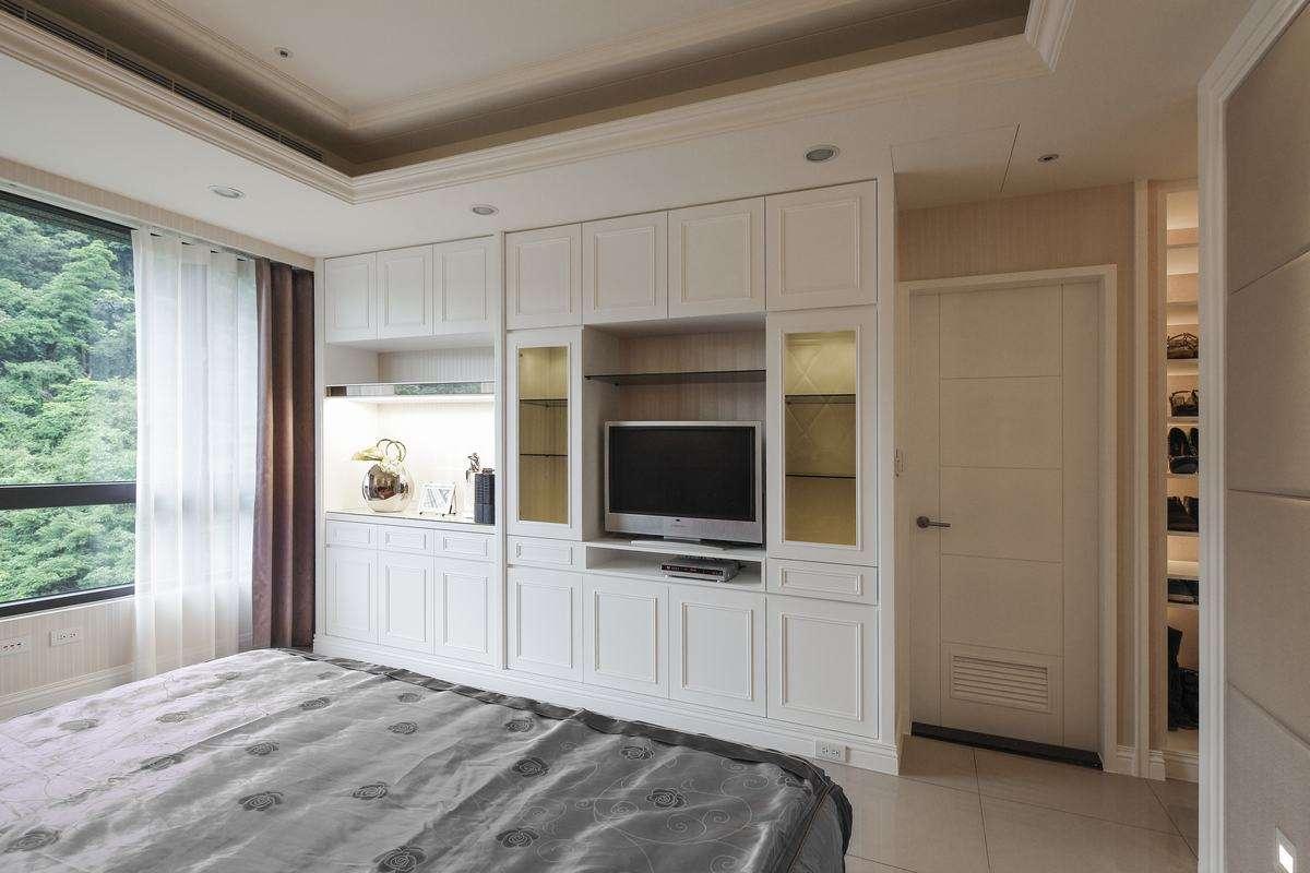 卧室是铺地板好还是地砖好
