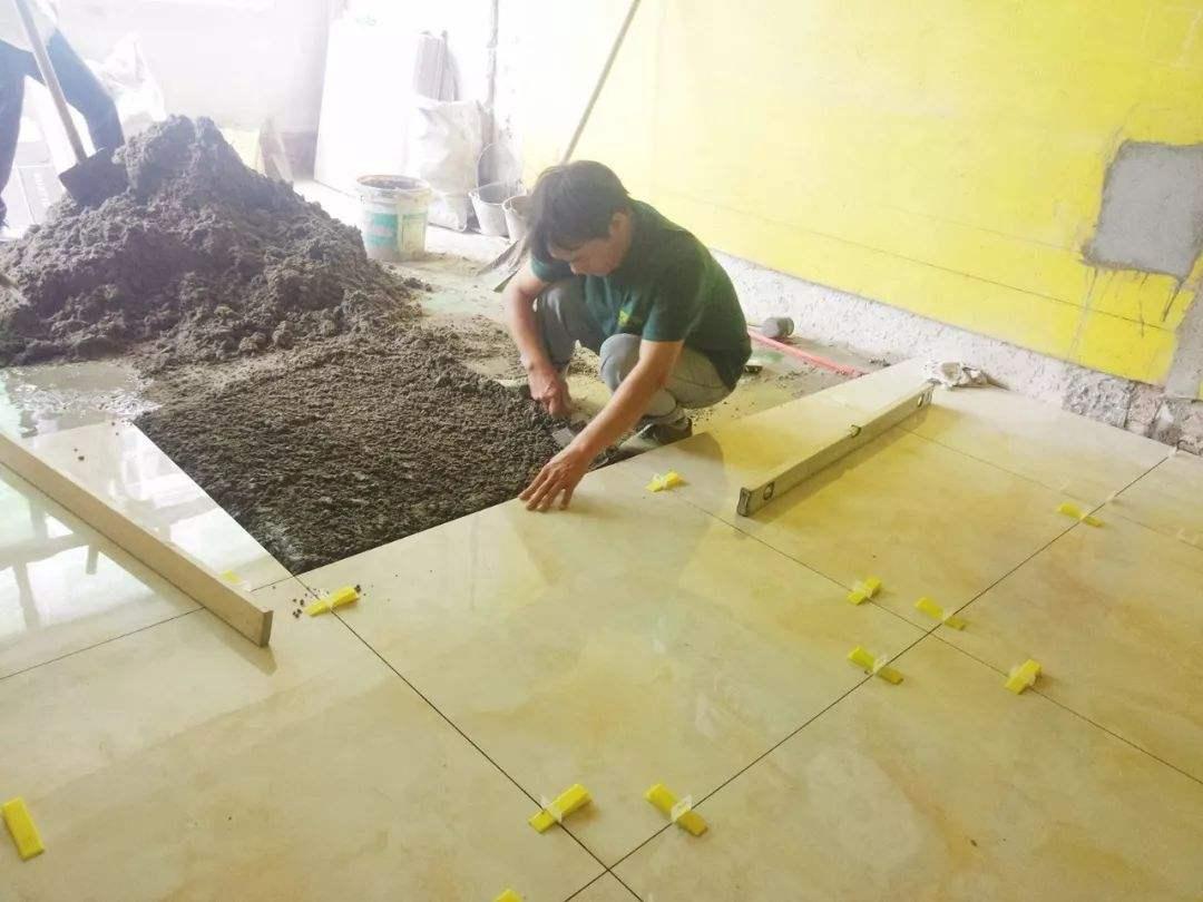 瓷砖铺设的注意事项